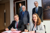 plastic-omnium-partnership-with-hella-signature-contract-20190121