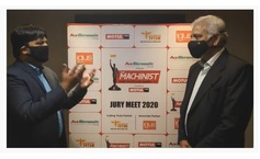 niranjan-mudholkar-at-jury-meet-2020-with-prof