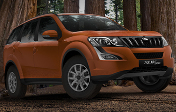 mahindra-launches-the-petrol-powered-xuv500-e